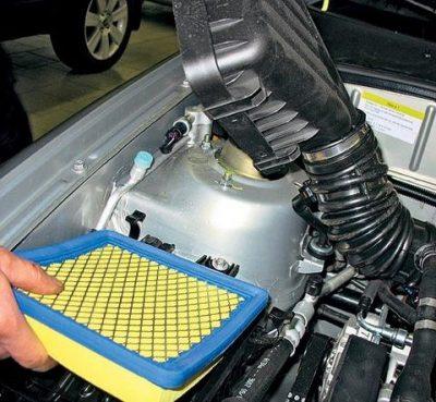 Замена Воздушного фильтра на автомобиле