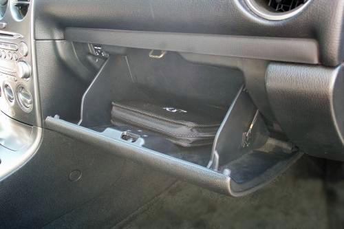 Фильтр салона на Mazda 6 заменен