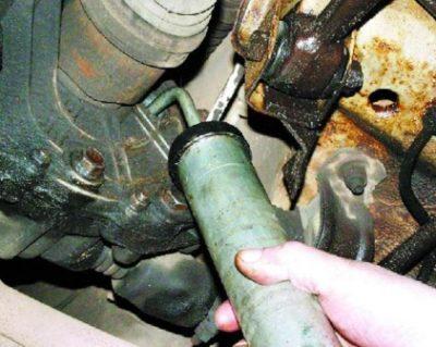 Замена масла в КПП ВАЗ-2110